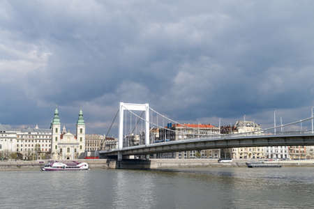 elisabeth: Elisabeth bridge in Budapest, Hungary, under dramatic sky Stock Photo