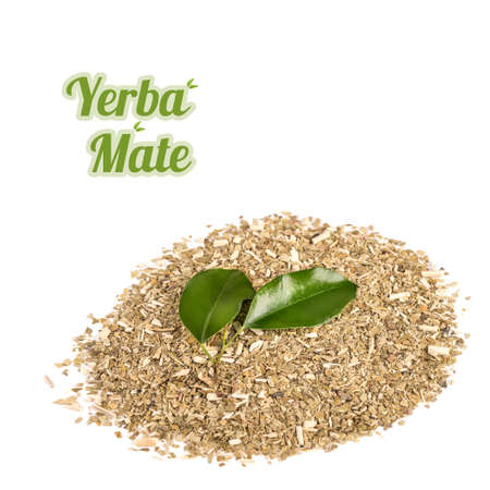 yerba mate: Yerba Mate, mezcla seca de hojas machacadas y tallos de la planta en el fondo blanco