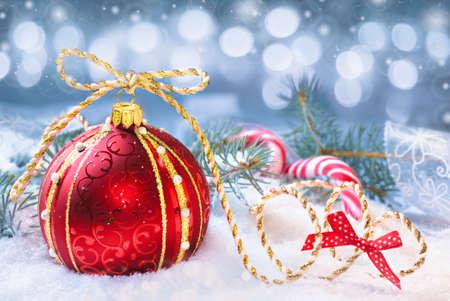 �tree: Red de Navidad sobre un fondo neutro invierno. Shallow DOF, se centran en la corona y el arco