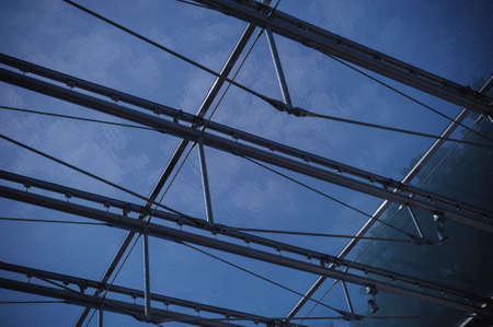 mirror frame: Mirror roof structural frame
