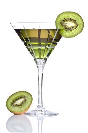 zomers drankje: Zomer drankje versierd met een schijfje kiwi  Stockfoto