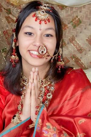 namaste: Joven indio que la belleza Namaste saludo de la India