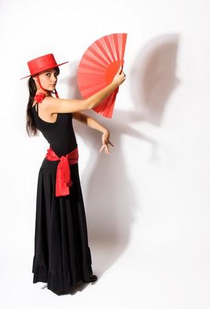 danseuse flamenco: Permanent de pose d'un danseur de flamenco espagnol avec ventilateur Banque d'images