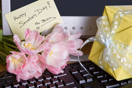 executive assistants: Gift and flowers from the boss on secretarys day