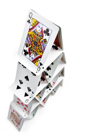 Draufsicht auf ein 4-Schicht-Kartenhaus