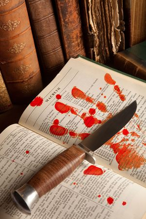 macbeth: Shakespeares Macbeth with old books and a blood hand