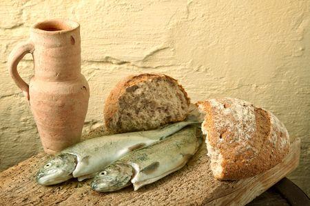 Pesce, pane e vino come simboli della vita di Gesù  Archivio Fotografico - 6039037