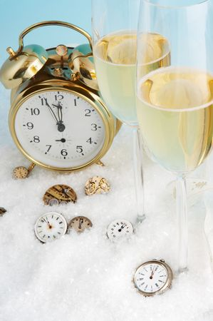 12 oclock: Almost 12 oclock on several antique watches, almost new year