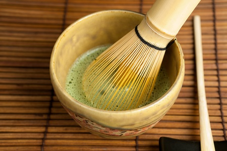 wire whisk: Closeup of bamboo spoon and wire whisk for zen tea ceremony