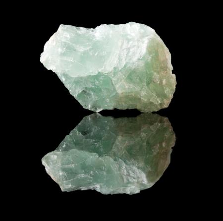 fluoride: Muestra Uncut sin pulir cristal de fluorita, mineral fluoruro de calcio Foto de archivo