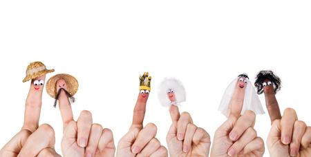 marioneta: Las razas humanas y la diversidad simbolizadas con aislados títeres de dedo