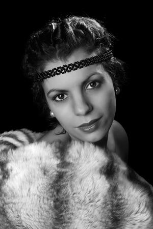 robo: Del estilo del encanto de la vendimia 1920 la actriz posando como una diva