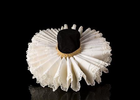 Display of an Elizabethan lace ruff collar Stockfoto