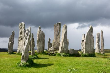 저녁 빛에 루이스와 해리스, 외부 헤 브리 디스, 스코틀랜드의 섬에 3000 기원전의 거석 돌 동그라미