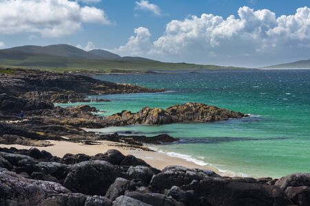 highland: Turquoise waters of Luskentyre beach on the Isle of Harris, Outer Hebrides, Scotland