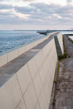 Concrete structure and sea Standard-Bild