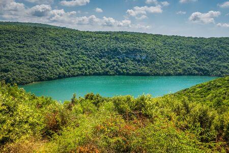 Limski Canal also called Limski Fjord in Istria near Rovinj. Adriatic Sea, Croatia. 免版税图像