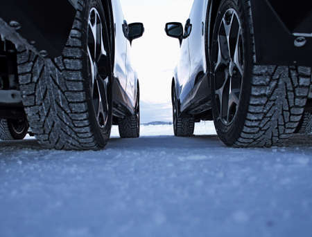 winter tires: Winter drive safety. Studded tires against non-studded tires