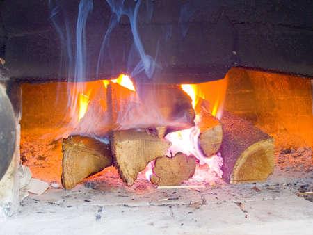 Fuego en el horno ruso  Foto de archivo - 594629