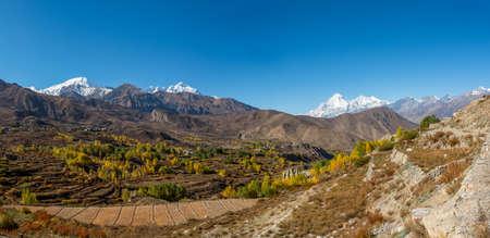 Mountain landscape in autumn. Annapurna circuit trek in Nepal. Stock Photo