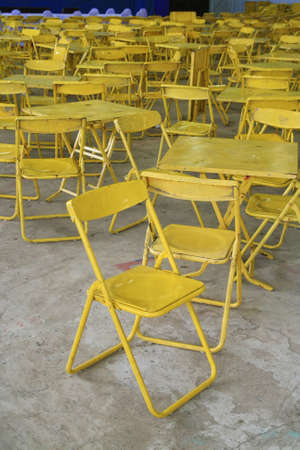 metall: Yellow chair