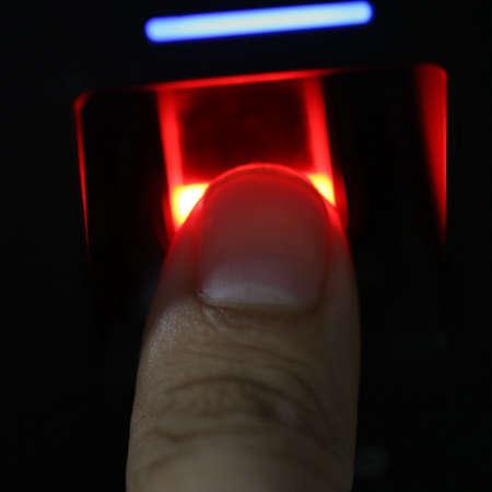 finger scanner for access password, safty door Standard-Bild