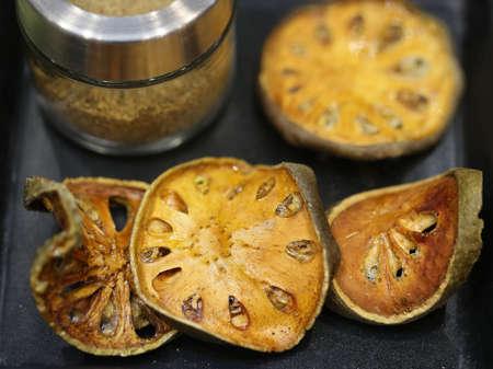 neuralgia: dried quince herb, Thai herb