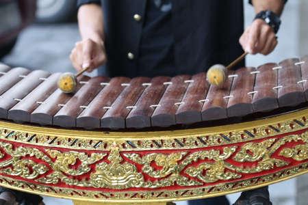 xilofono: juego clásico de la mano de Tailandia madera Alto xilófono