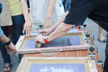 screen print: preparing manual shirt screen print