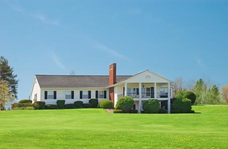 Typical american standalone rural house Reklamní fotografie - 4254877