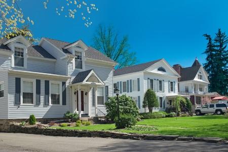 일반적인 미국인 이웃의 전형적인 미국 거리. 스톡 콘텐츠