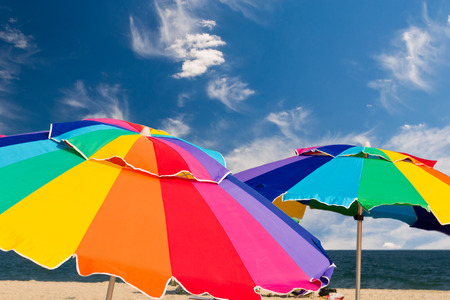 Colorful beach umbrellas Banque d'images