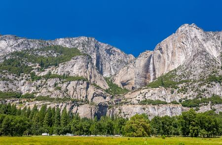 sierra nevada mountain range: Falls in Yosemite National Park