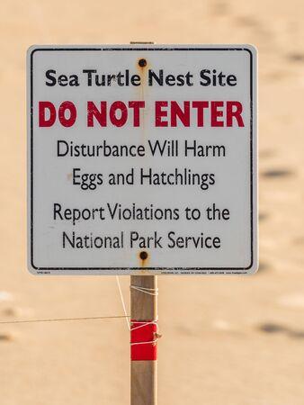 Sea Turtle Nest Sign at Outer Banks Atlantic Beach Reklamní fotografie
