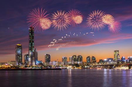 불꽃 축제와 서울, 한국. 스톡 콘텐츠