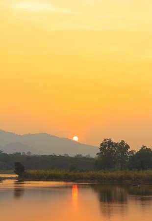 Sonnenuntergang  Standard-Bild - 24478364