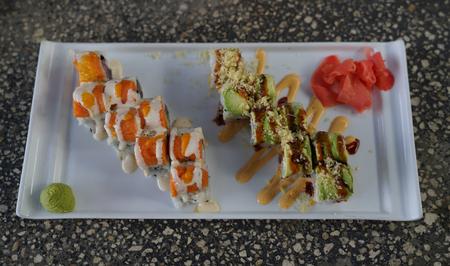 sushi hand roll Imagens