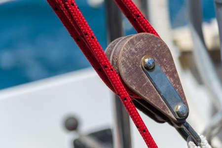 polea: Bloque de vela con cuerda de velero