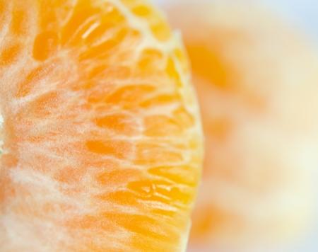frutas ange para a vitamina C � alto. Em um fundo branco.