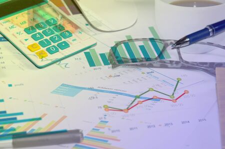 business performance: analyzing report, business performance concept