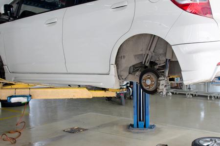 garage: Inside a garage - changing wheelstires