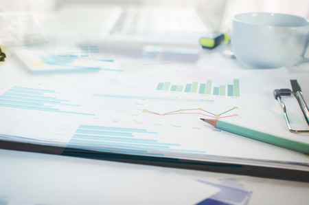 Finanzas empresariales, contabilidad, estadística y concepto de investigación analítica. Foto de archivo - 46744250