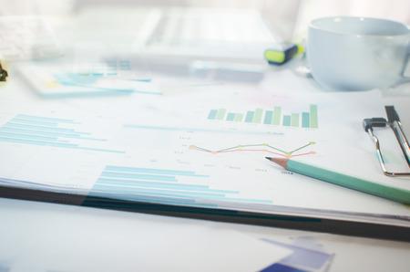 contabilidad: Finanzas empresariales, contabilidad, estadísticas y concepto de la investigación analítica