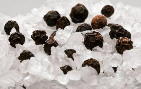 pepe nero: Macro di corso fine sale pepe calli bianco nero