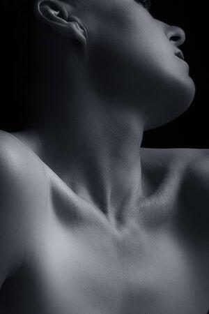 mujeres negras desnudas: Scape Cuerpo de cuello de la mujer y de la mano con la emoción de conversión artística
