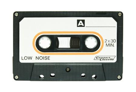 cassettebandje op wit wordt geïsoleerd
