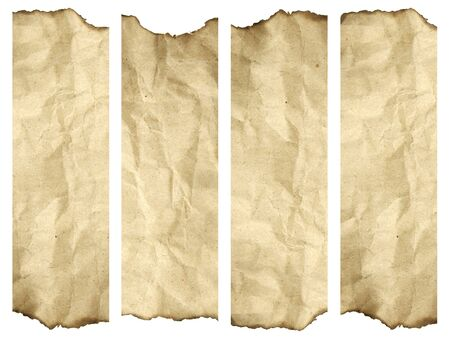 vecchiaia: Ad alta risoluzione sfondo di carta vecchia bruciata isolato su bianco. Si tratta di un gruppo di banner verticali
