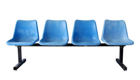 gradas estadio: sillas de plástico azul aislado en blanco Foto de archivo