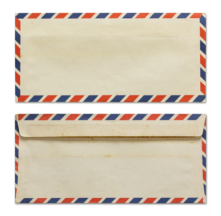 Oude envelop die op wit met het knippen van weg Stockfoto - 46783394