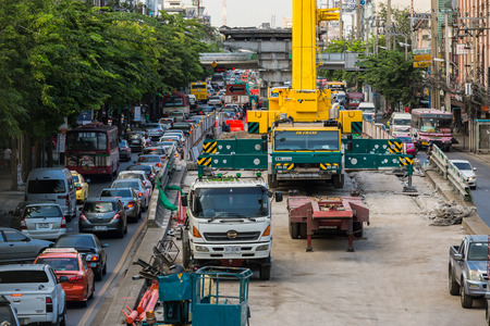 traffic jams: Heavy traffic jams cause by the construction of the BTS skytrain on the Phahonyothin Road in Bangkok, Thailand